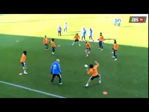 ZINEDINE ZIDANE – Fantastic play in Real Madrid training ! With Marcelo and Luka Modric (2014)