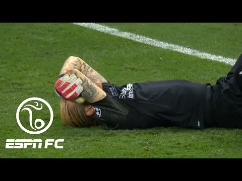 Liverpool goalkeeper Loris Karius' two howlers help Real Madrid win Champions League final | ESPN FC