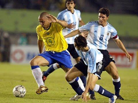 Ronaldo Destroying Argentina 2004 ( World Cup 2006 Qualification )