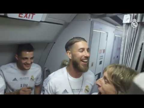 Real Madrid players celebrate La Undécima at 30,000ft!