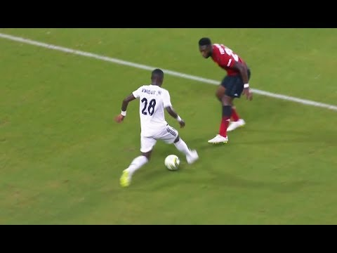 Vinicius Jr Crazy Skills & Technique • Real Madrid 2018/2019
