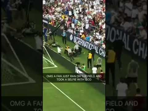 Fans run on field – Real Madrid vs Juventus