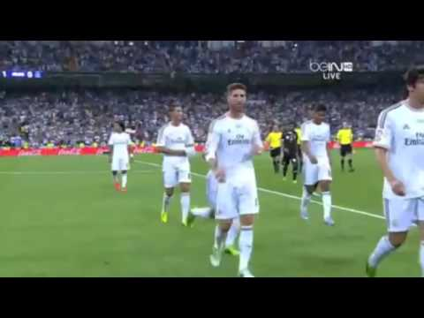 Raul Gonzales Give T Shirt to Cristiano Ronaldo in Real Madrid 1 0