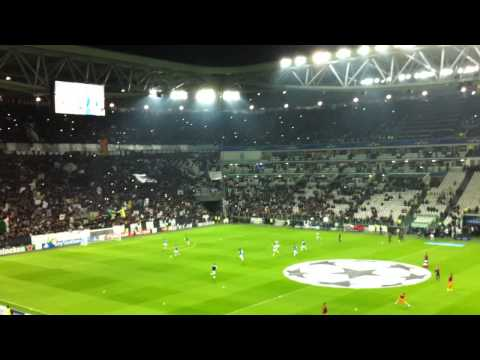 Juve – Real Madrid (riscaldamento con Thunderstruck)