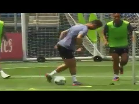 Cristiano Ronaldo Amazing Rabona Goal on Real Madrid Training before match vs Juventus