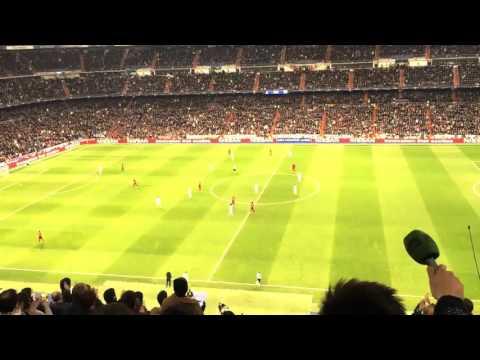 Ovacion a Francesco Totti en el Santiago Bernabeu. Real Madrid vs Roma