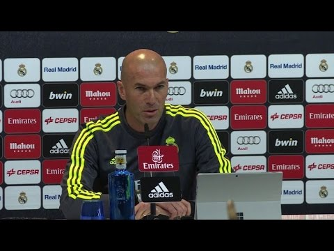 Real Madrid's Zidane warns striker Ronaldo is untransferable