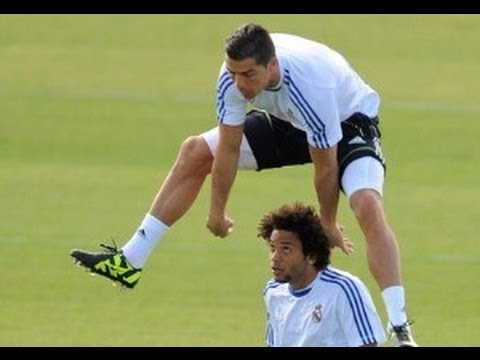 Real Madrid – Funny Moments !! *HD*