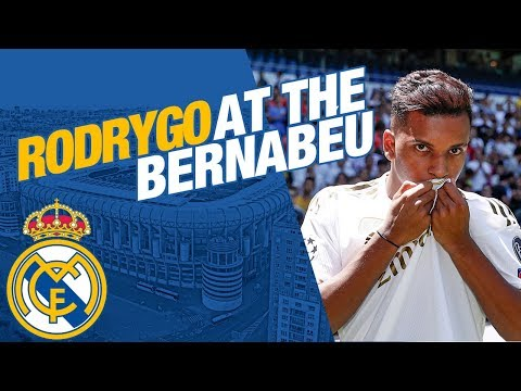 LIVE | Rodrygo takes to the Bernabéu pitch!