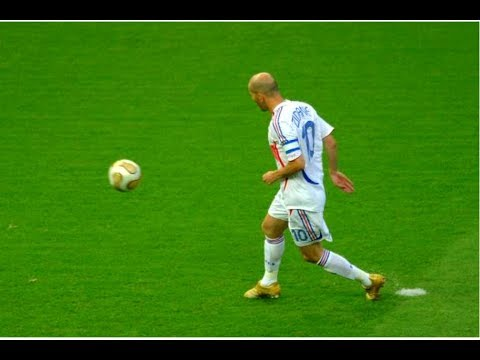 Zinedine Zidane ● Legendary Magic Skills Show