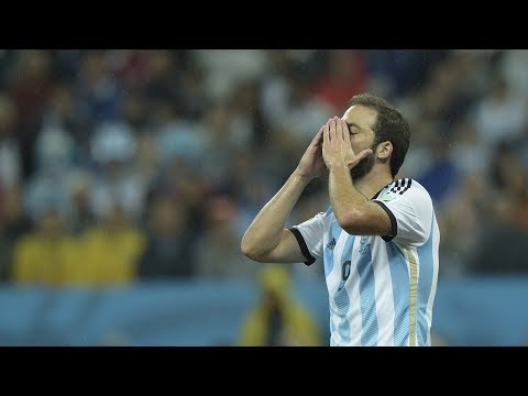 "Why Higuain is the ""cursed"" player – Oh My Goal"