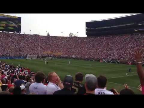 Full Stadium Wave at Real Madrid vs. Manchester United – International Championship Cup 2014