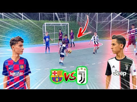 UEFA CHAMPIONS LEAGUE BARCELONA vs JUVENTUS JOGO 5 vs 5 DESAFIOS DE FUTEBOL 2020 ‹ Rikinho ›